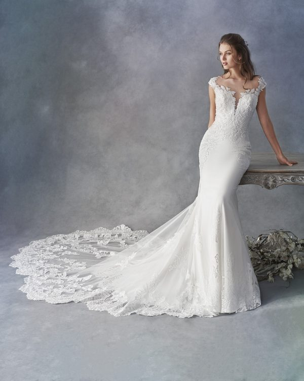 kenneth-winston-1805-wedding-dress