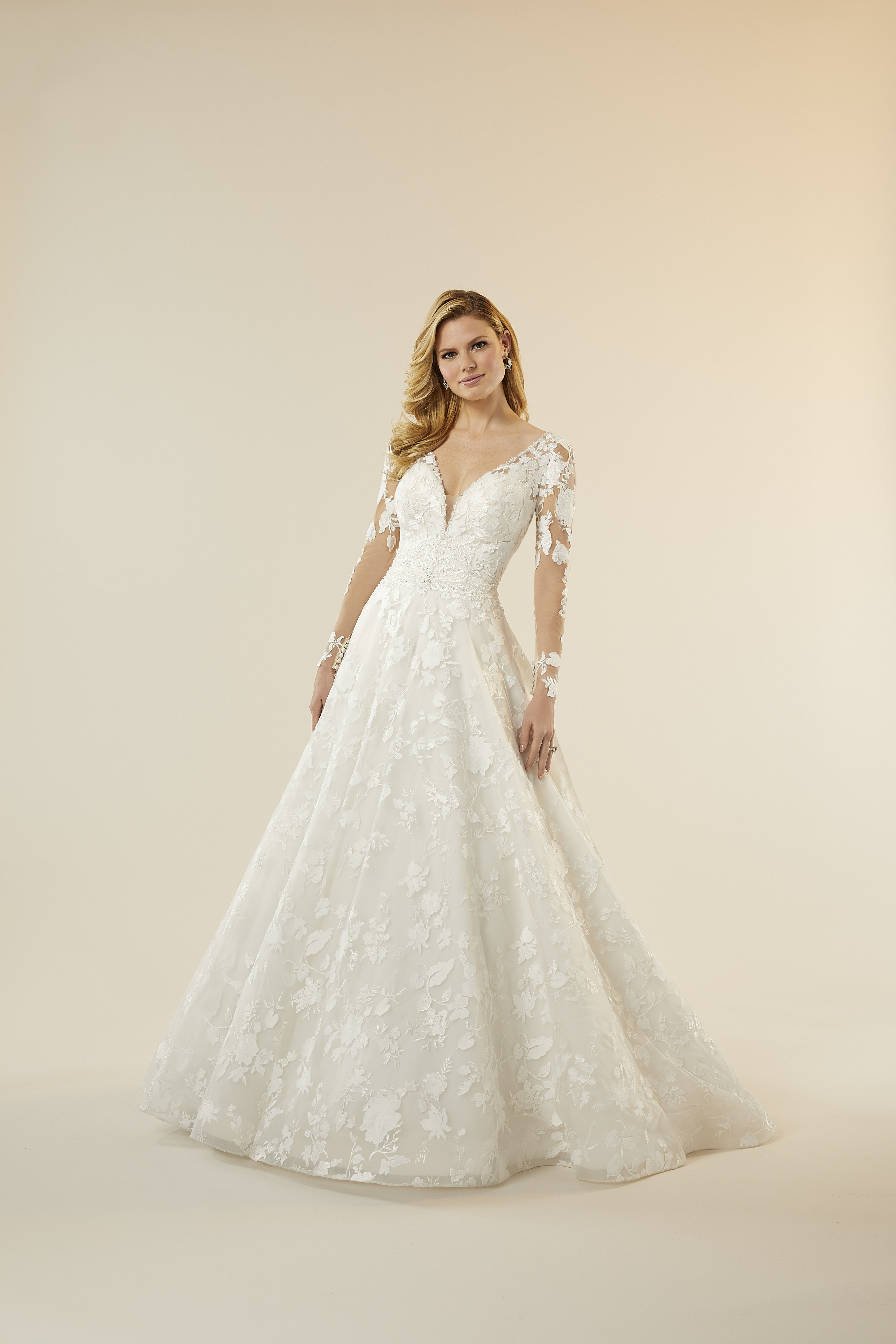 Madeline-Gardner-New-York-51705-wedding-dress-melody