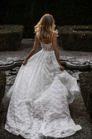 abella-bride-e150-wedding-dress