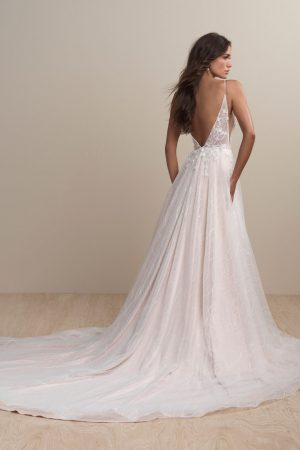 abella-bride-e156-wedding-dress