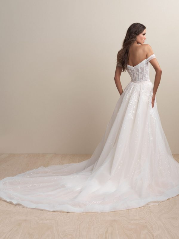 abella- bride-e158-wedding-dress