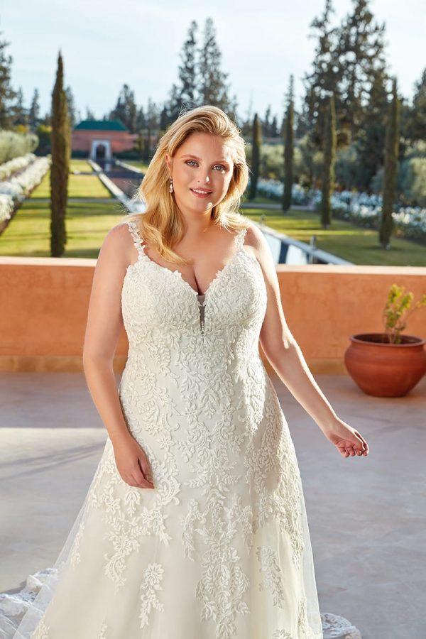 eddy-k-UR128-wedding-dress-curvy